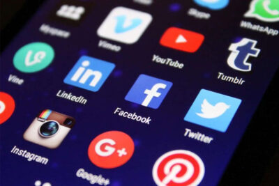 Why Mostly Celebrities Hire A Social Media Handler